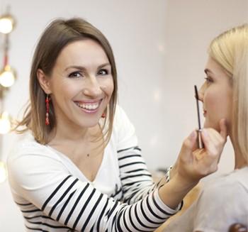 Glow Make-up Eesti meigikoolis algavad individuaalsed meigikonsultatsioonid kolmel erineval teemal
