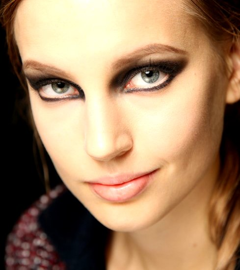 gallery_big_runway-smokey-cat-eyes-makeup