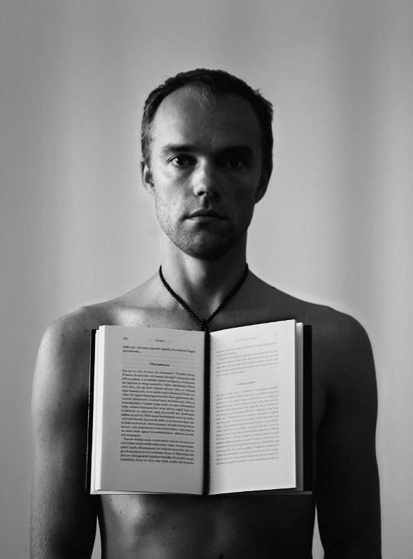 Tanel Veenre. Autoportree Emile Cioranina. 2011