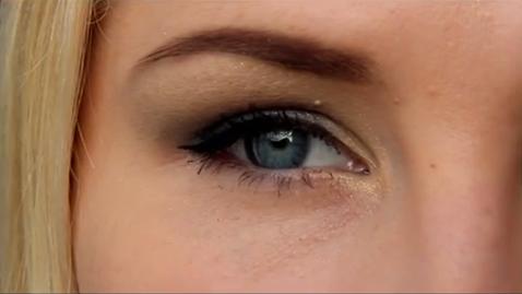 VIDEO! 7 sammu, kuidas teha sinistes toonides tagasihoidlikku silmameiki