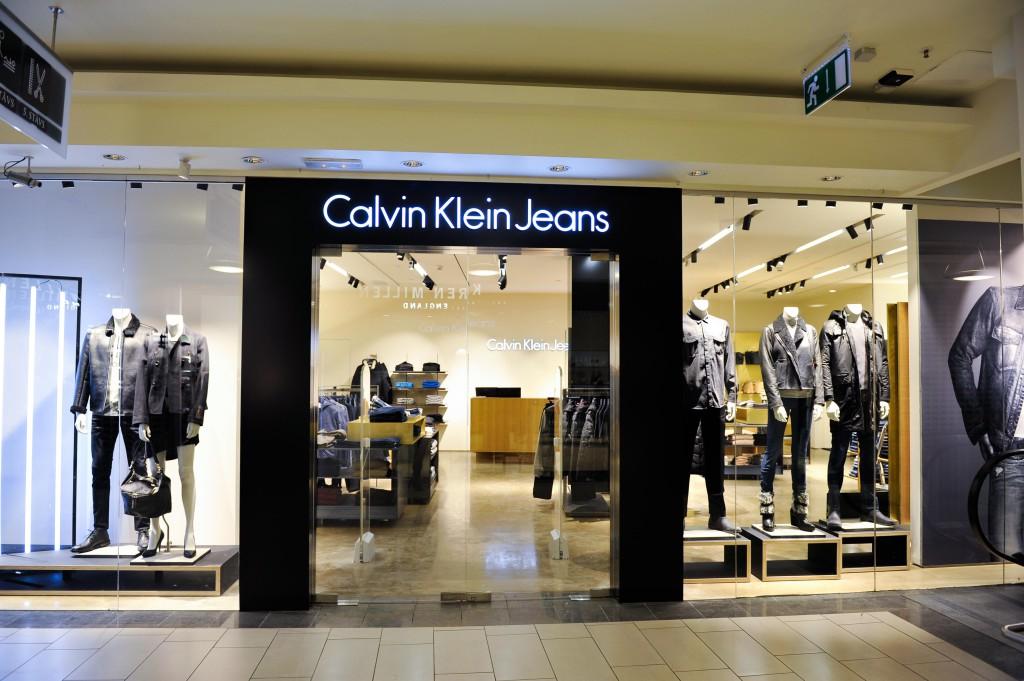 Uue-kontseptsiooniga-Calvin-Klein-esinduspood-
