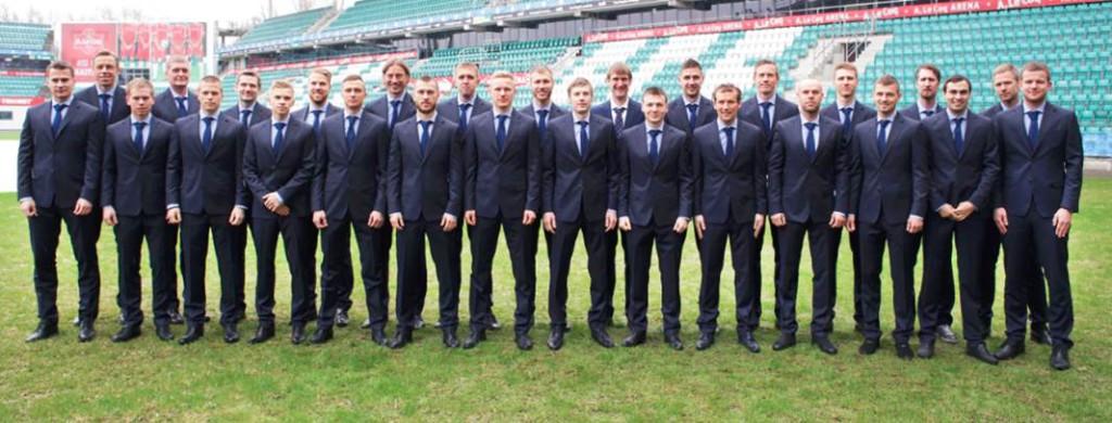 FOTOD! Eesti jalgpallikoondis riietati eritellimusena valminud Baltmani ülikondadesse