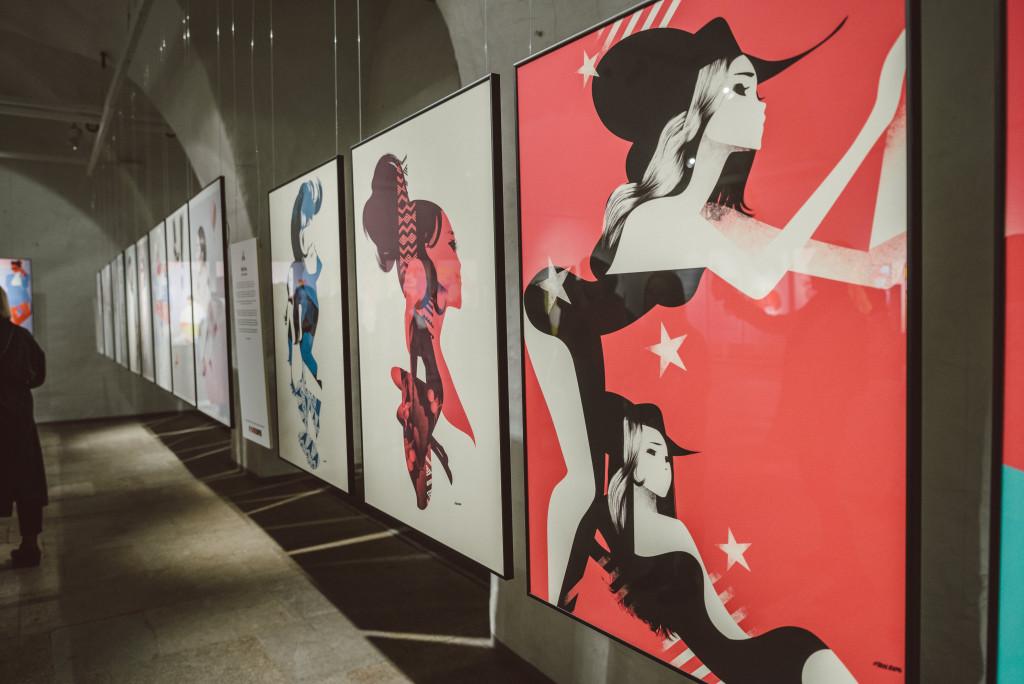 FOTOD! Tallinnas avati rahvusvaheline moeillustratsioonide näitus