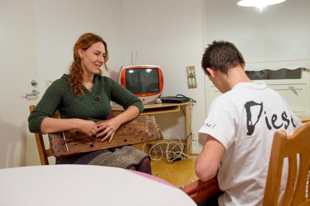 MUUSIKA AITAB! Muusikaõpetaja Maria: muusika aitab lastel läbielatuga lõpparve teha