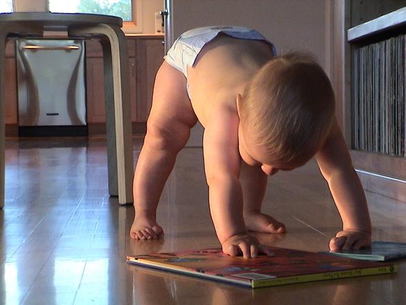 KUIDAS TEKITADA LAPSES LUGEMISHUVI? Algavad raamatukogutunnid väikelastega peredele