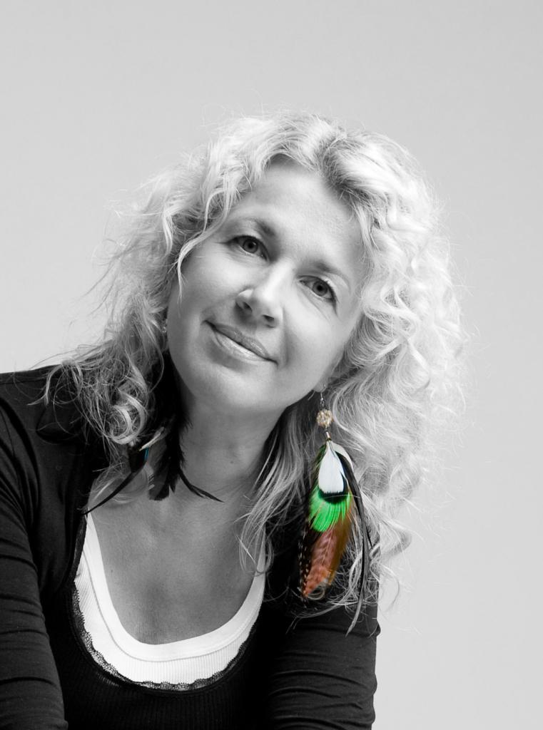 KEVADMOOD! Stilist Katrin Kirsipuu: kevad toob nii pastellid kui kirgliku flamencostiili