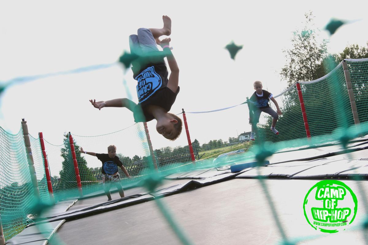 VAATA VIDEOT! Camp of Hip-Hop avapäev jääb meelde telgipüstitamise ja limbotantsuga