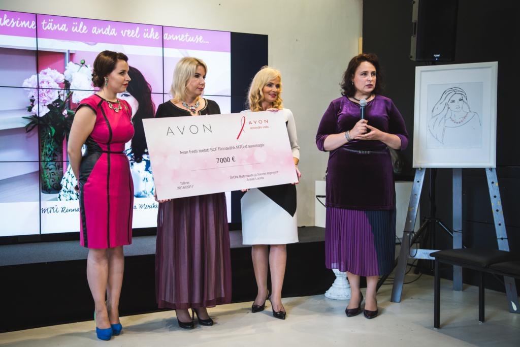 GOODNEWS KIIDAB! Avon toetab rinnavähihaigeid naisi