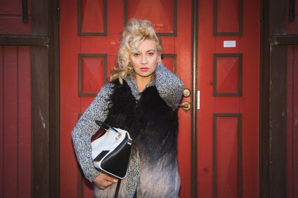 Stella K. Wadowsky näitab sügistalvist Briti tänavamoodi