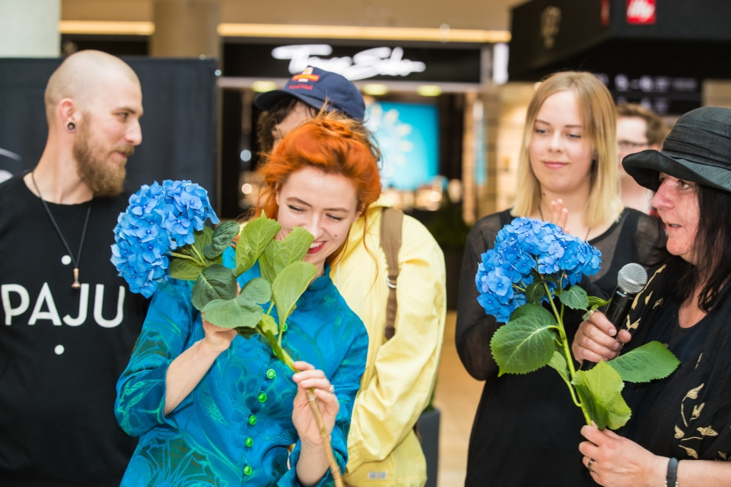 Palju õnne! Ehtekunstinäituse PILK publiku lemmikud on Mariliis Hopp ja Helina Risti