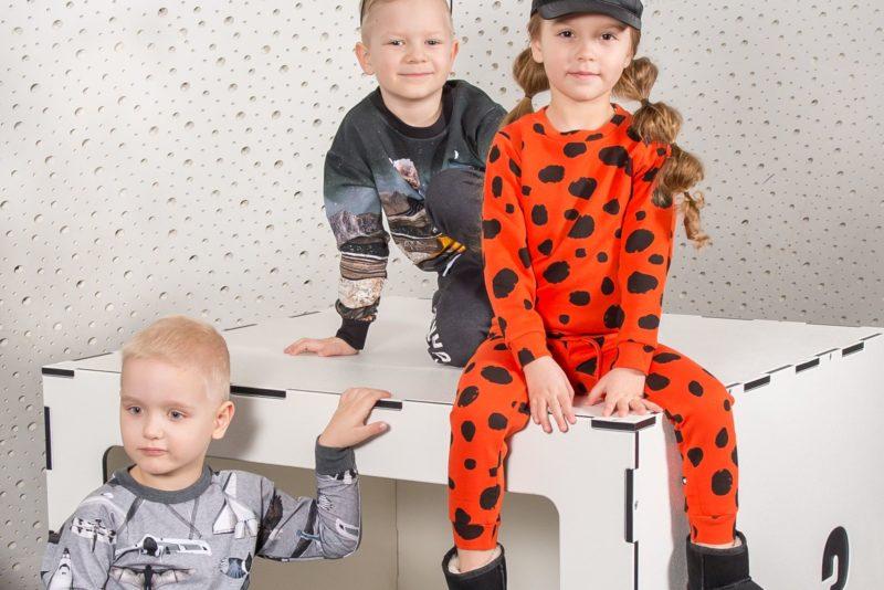 Lastemoes domineerivad pastellid, mässumeelsus ja troopika