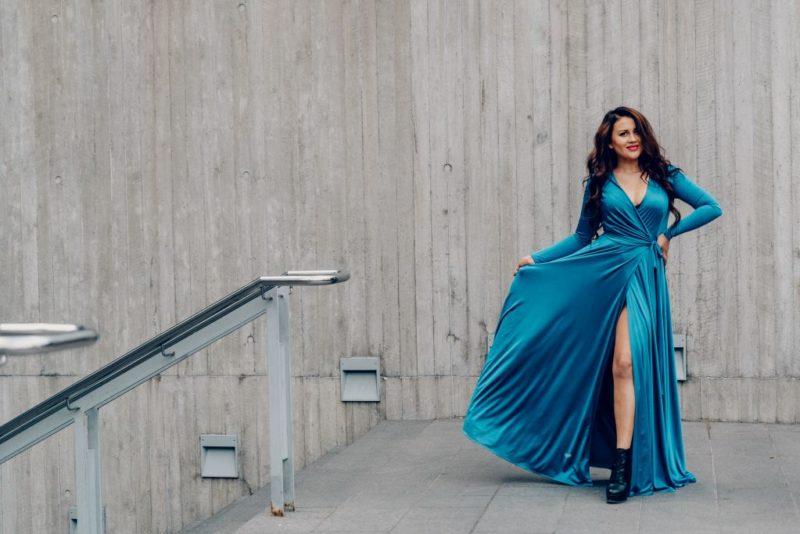 FOTOD! Stilist soovitab: kuidas valida trendikaim lõpukleit?