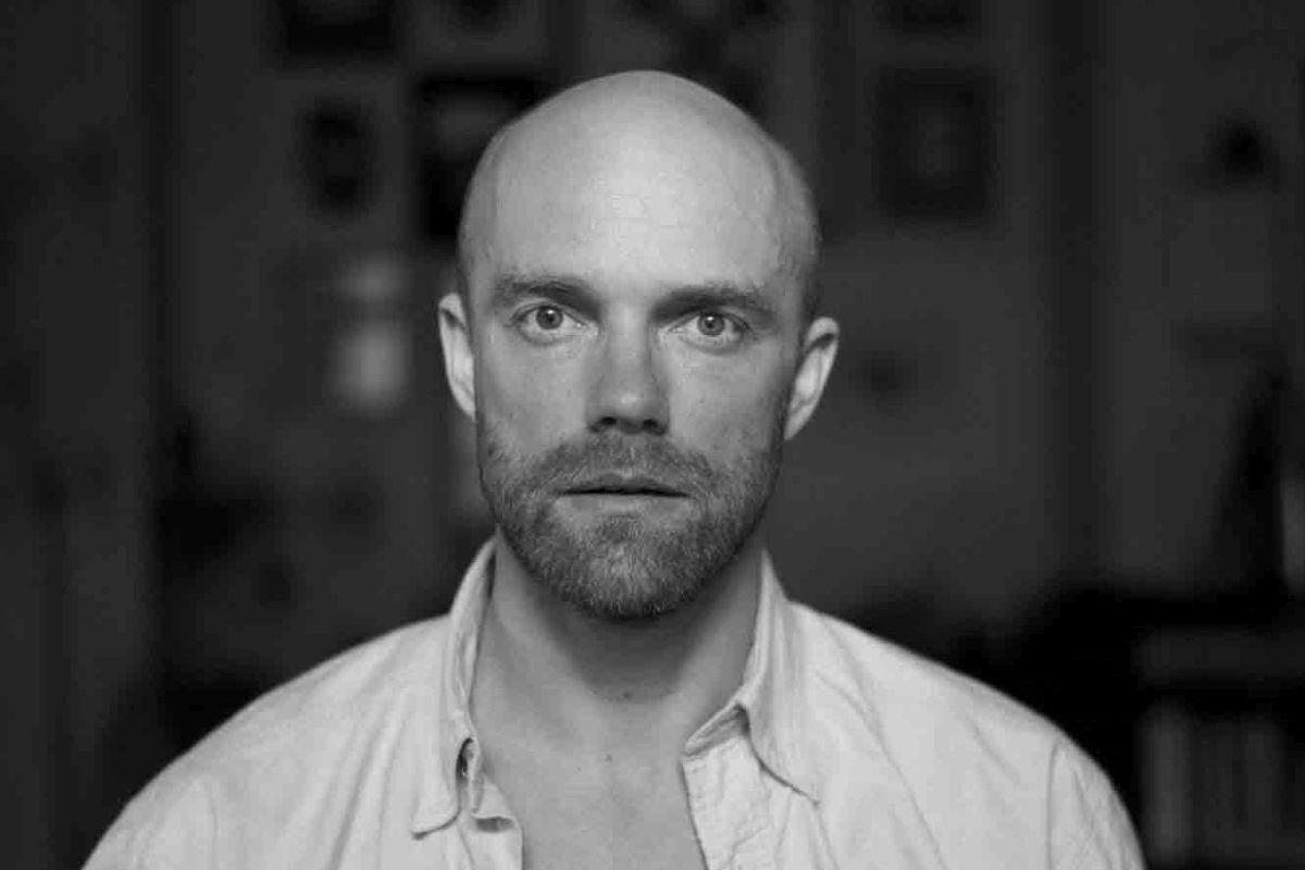 KARUSNAHK I Eesti moe- ja ehtekunstnik Tanel Veenre liitus rahvusvahelise karusnahavabade moeloojate võrgustikuga